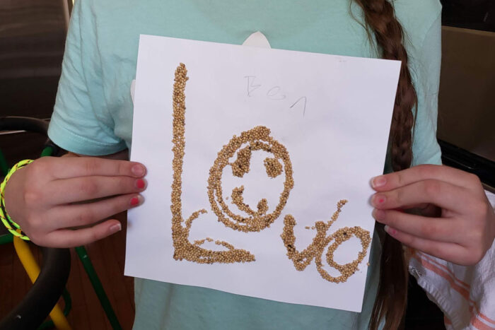 Creative workshops help kids relieve stress with art
